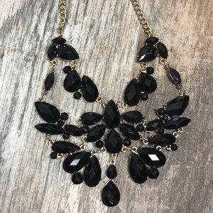 Onyx-Colored Jewel Necklace with Gold Links